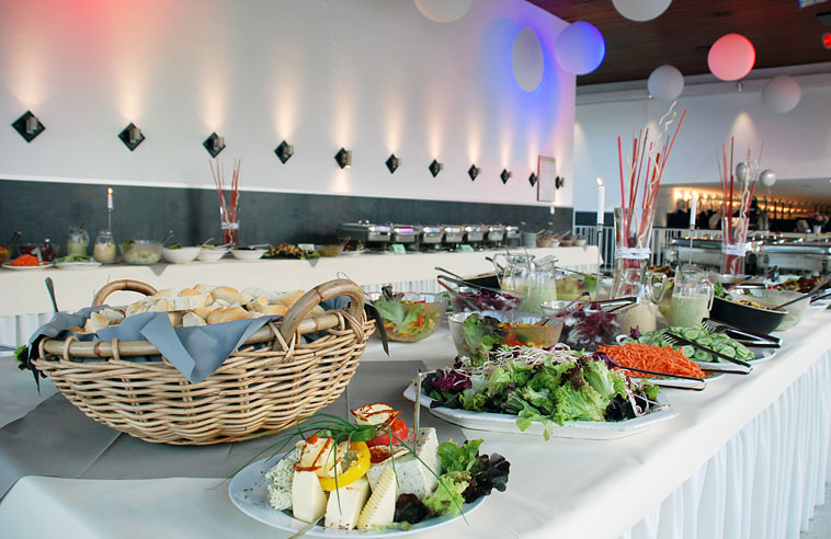 Buffet im Foyer
